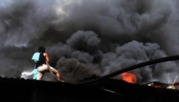 10106 medium kebakaran di bekasi tewaskan seorang warga
