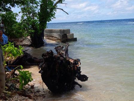 10126 medium pesisir barat dan timur pulau sebira alami abrasi