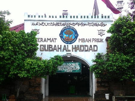 Image result for makam mbah priok