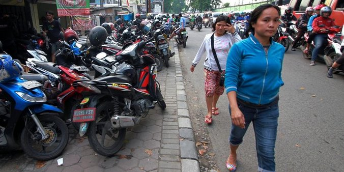 10532 medium juru parkir di pemkot tangerang suka malak pengendara