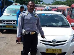 1093 small taksi parkir liar  operator akan diperingatkan