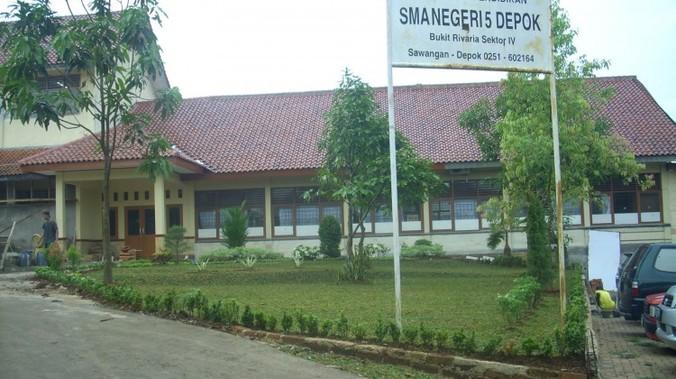 11079 medium dprd depok ada laporan pungutan sekolah selain di sman 5