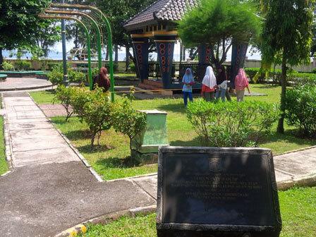 11126 medium warga pulau kelapa minta disediakan taman terpadu
