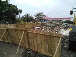 1244 small tpss bugis dipasang pagar bambu