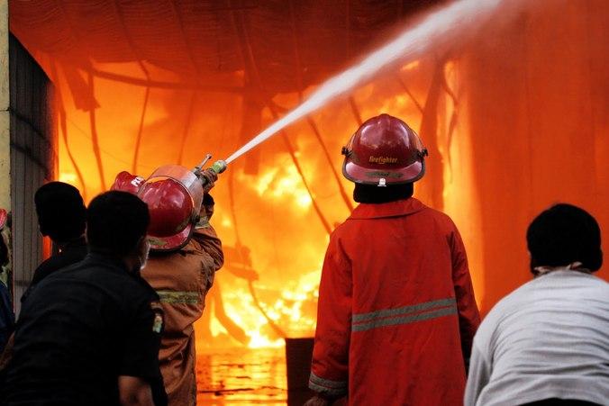 13428 medium januari agustus  kebakaran di jaktim capai 105 kasus