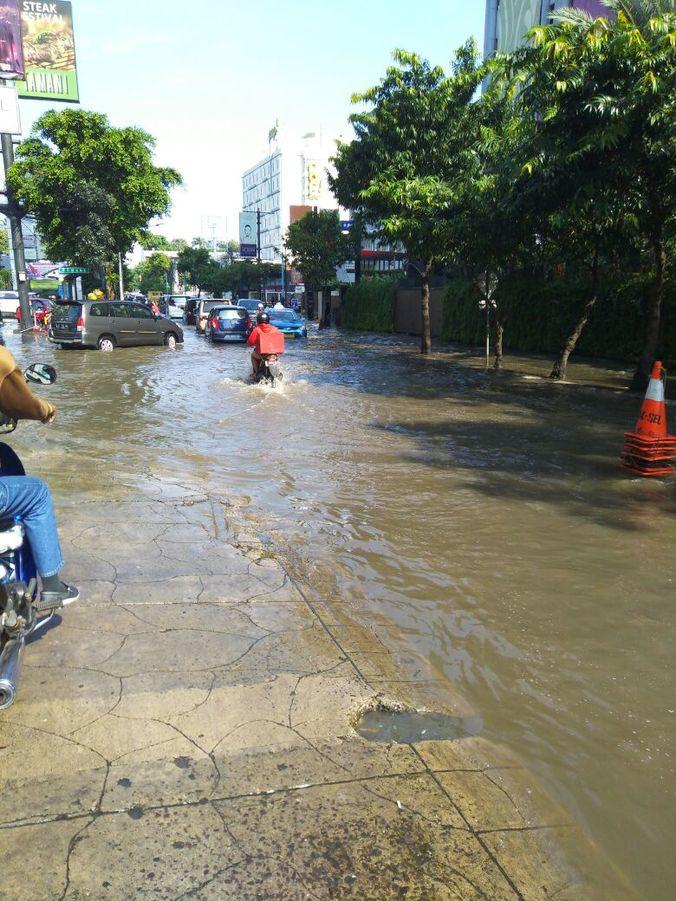 13450 medium kemang bawah banjir
