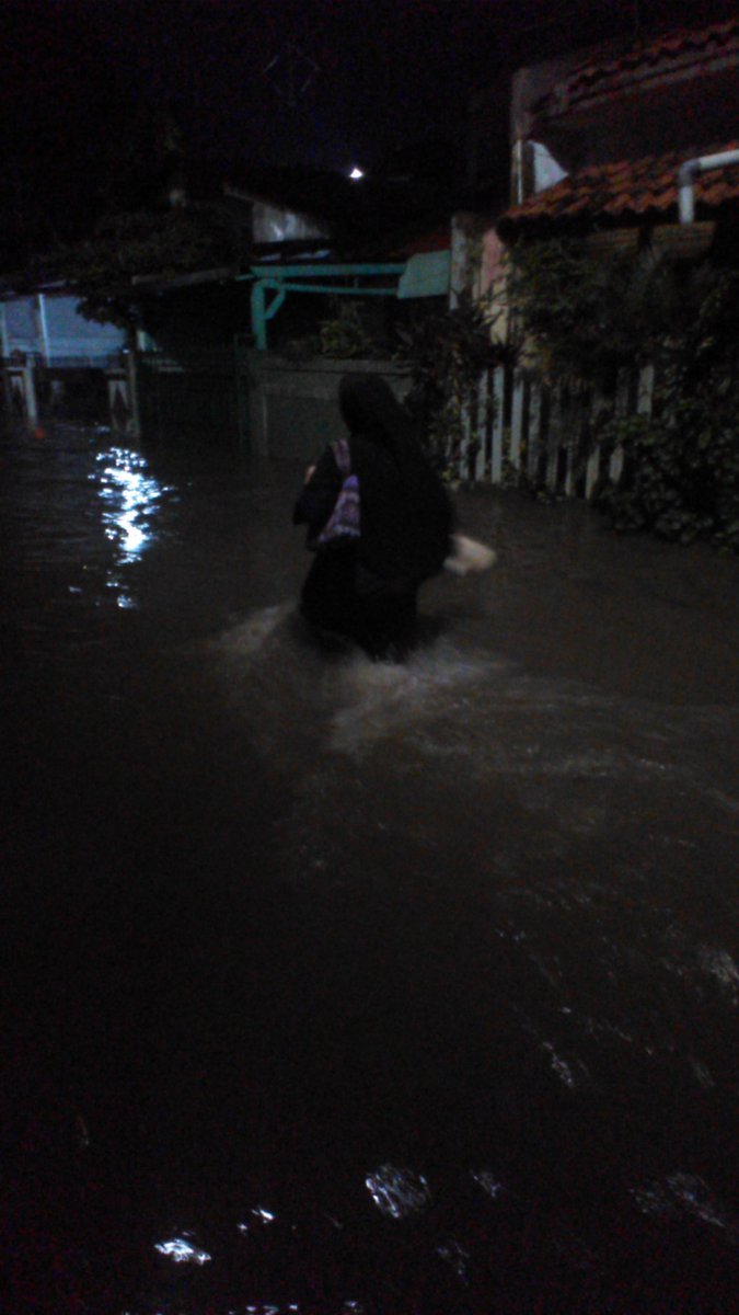 13511 medium banjir petogogan