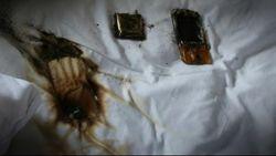 13537 small awas jangan gunakan ponsel sambil ngecas