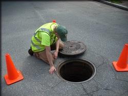 1712 small dki segera bangun manhole utilitas