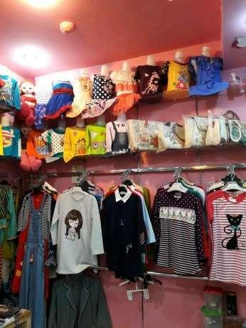 17660 medium  butuh karyawati untuk cabang toko baju anak di tamini square lt ug 7 2