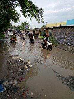 17839 small banjir dan jalan rusak di cibitung bekasi