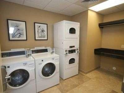 18494 medium dibutuhkan karyawan laundry daerah tanjung duren