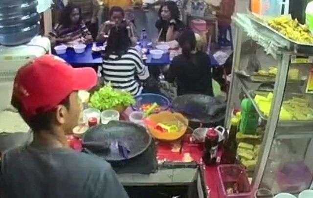 20019 medium cari karyawan laki2 serius kerja jaga kios di pujasera blok m square