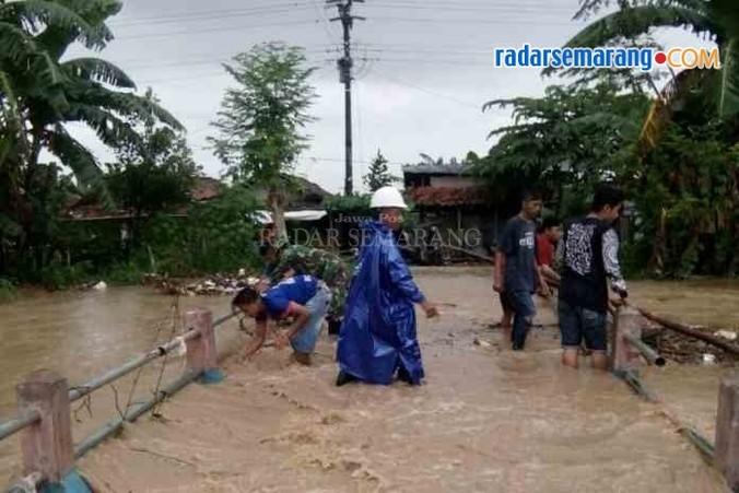 20160 medium open banjir di kecamatan tugu 1 rsz