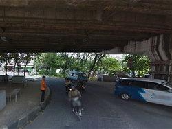 2130 small kerusakan drainase jembatan layang sebabkan jalan berlubang