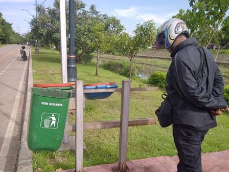 2222 medium tempat sampah di kbt banyak yang hilang