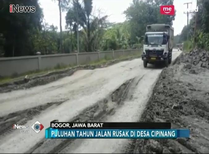 22562 medium warga desa cipinang  bogor keluhkan jalan rusak
