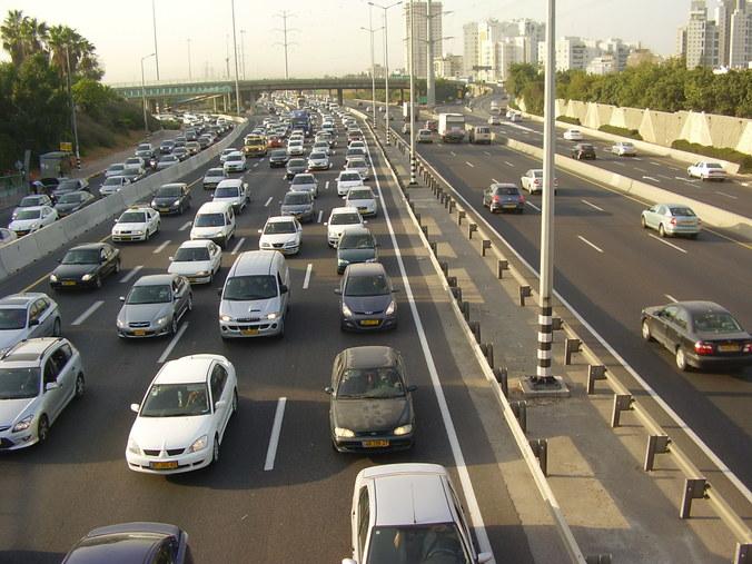 22826 medium polri pemberlakuan ganjil genap di tol bekasi turunkan kepadatan arus kendaraan 40 persen