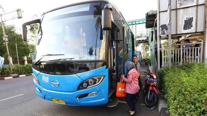 22996 medium 20170908berita foto beginilah ujicoba bus transjabodetabek premium 20170908 195916