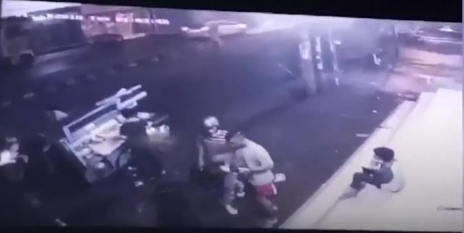 24517 medium video aksi begal di depok gagal rampas ponsel akibat korban melawan