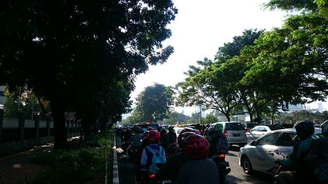 24589 medium lalu lintas depan tvri ri