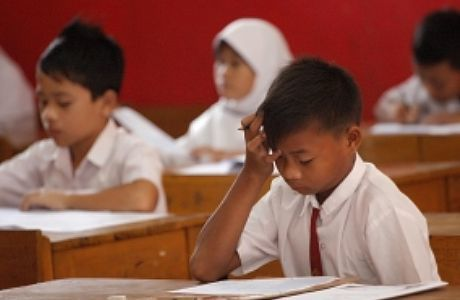 24941 medium 16.484 siswa sd di jakbar ikut ujian nasional