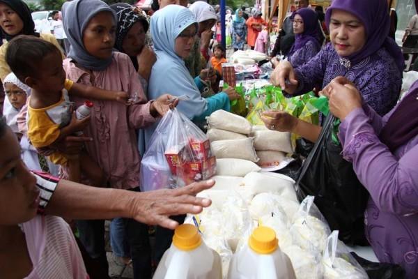 25602 medium pemprov dki gelar 44 operasi pasar murah selama ramadan