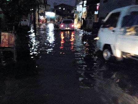2587 medium imbas hujan  33 jalan di jakarta tergenang kemarin