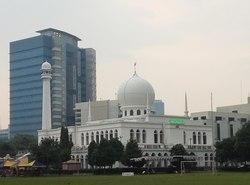 25987 small selama ramadan masjid agung al azhar gelar pengobatan gratis