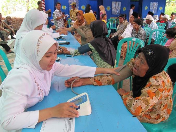 26170 medium pt waskita karya gelar pemeriksaan dan pengobatan gratis di purwoyoso