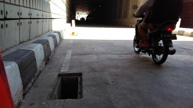 27010 medium penutup gorong gorong underpass mampang kembali raib