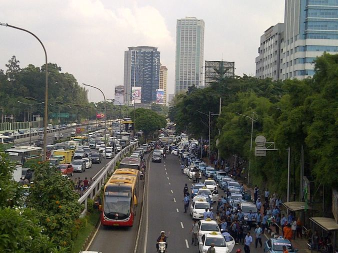 2704 medium macet taksi