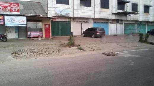 27068 medium surat terbuka kepada dinas pu dan pemkot bandar lampung jalan ratu dibalau rusak akibat instalasi pgn