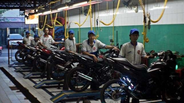 27543 medium lowongan kerja   mekanik motor ahass