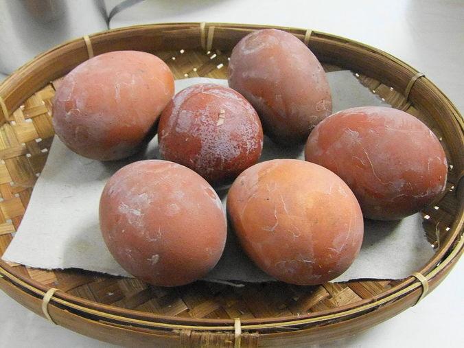 28000 medium harga telur capai 27 ribu di jatim  gimana di daerahmu