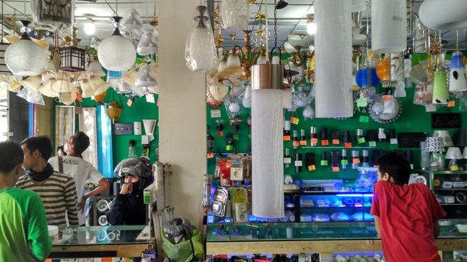 28088 medium lowongan kerja toko lighting dan electrical