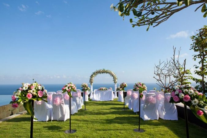 28477 medium dekorasi pernikahan pantai