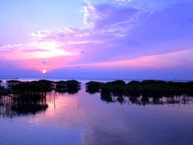 28621 medium sunrise di pulau pramuka