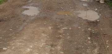 28715 medium warga desa kalinusu keluhkan jalan rusak