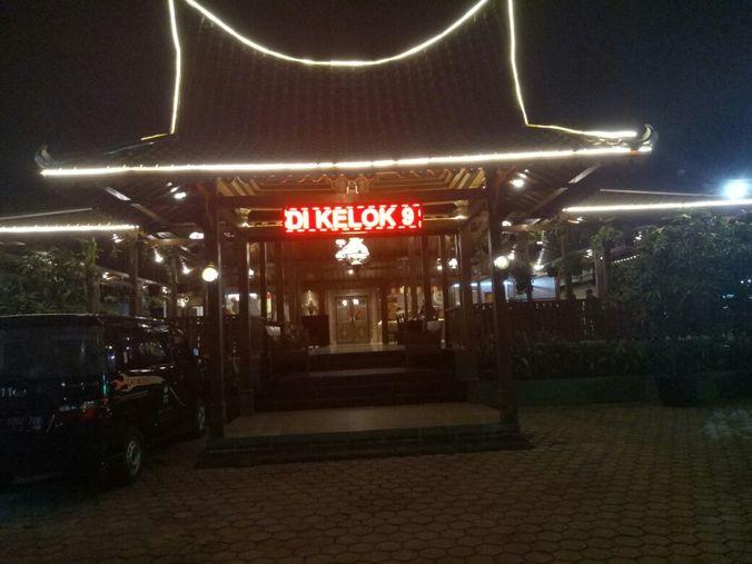 28970 medium lowongan kerja admin dan manager restaurant resto minang kelok 9