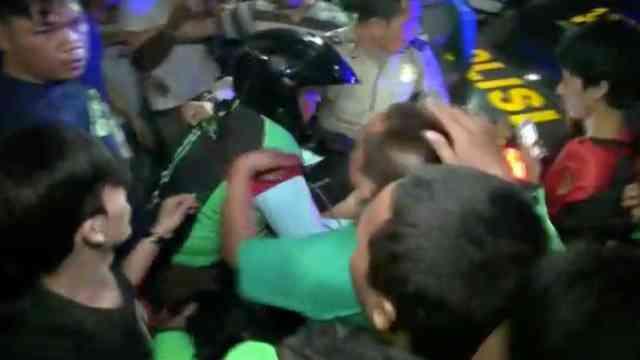 28981 medium video aksi heroik driver ojol selamatkan jambret dihajar warga