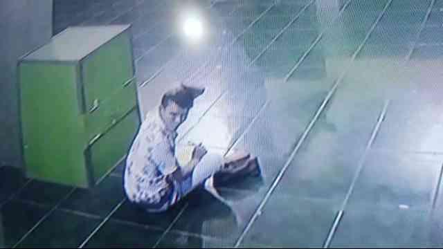 29219 medium video aksi pencurian uang kotak amal di masjid bekasi