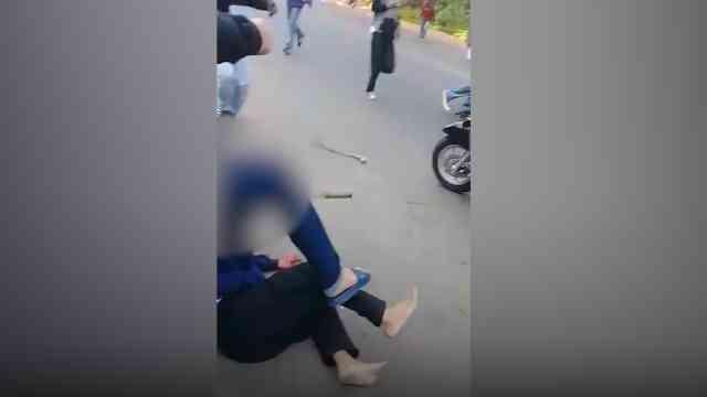 29335 medium video tawuran pelajar di kademangan  kepala korban tertusuk samurai