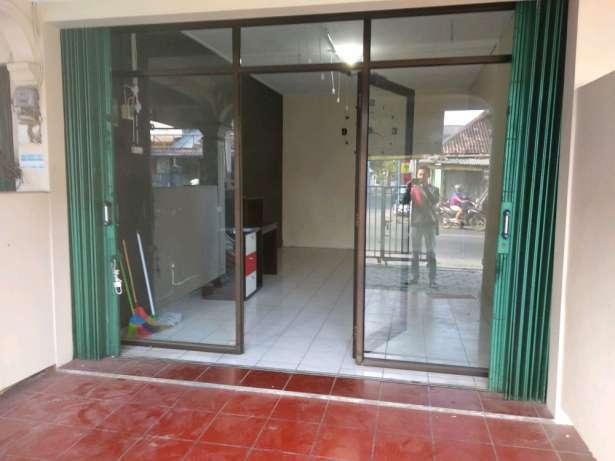 29603 medium dibutuhkan karyawan untuk jaga toko karpet di jalan godean