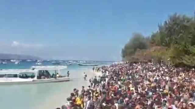 29718 medium video suasana evakuasi seribu wisatawan usai gempa lombok