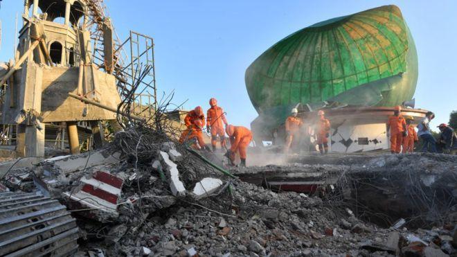 29963 medium %28update gempa lombok%29 bnpb korban tewas gempa lombok bertambah jadi 321 orang