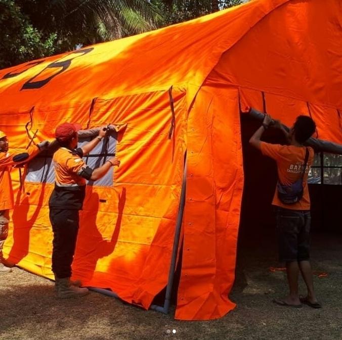 29965 medium tim baznas tanggap bencana mendirikan rumah sakit lapangan