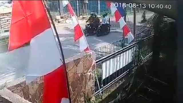 30351 medium video aksi jambret di citeureup rampas uang rp 130 juta milik koperasi