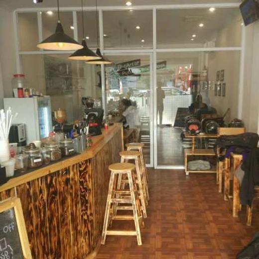 30818 medium lowongan kerja sebagai cleaning service karir kedai kopi