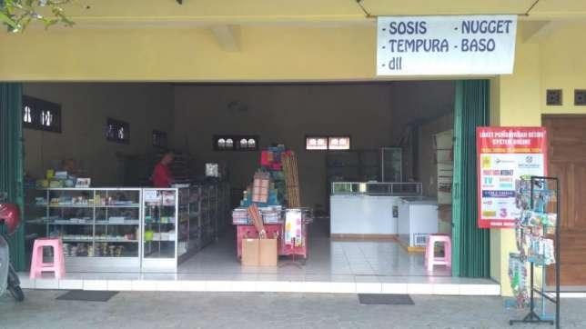31051 medium karyawan toko buku dan fotocopy
